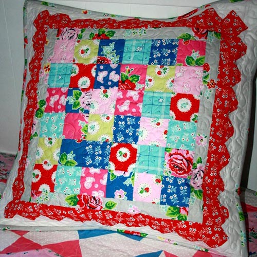 Strawberry Scallop Cushion Cover